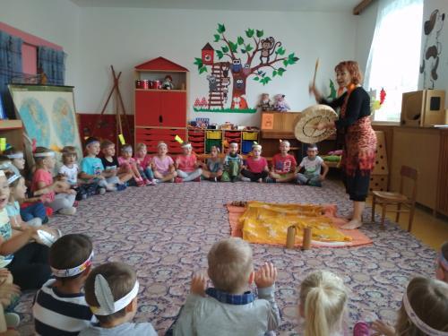 Muzikoterapie s paní Hradeckou